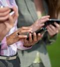 Por-que-sientes-que-el-celular-vibra-cuando-en-realidad-no-2_0-120x134