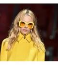 El-negro-y-el-amarillo-limon-tinen-color-la-semana-la-moda-milan-120x134